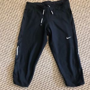 Nike crop dri fit XS black leggings.